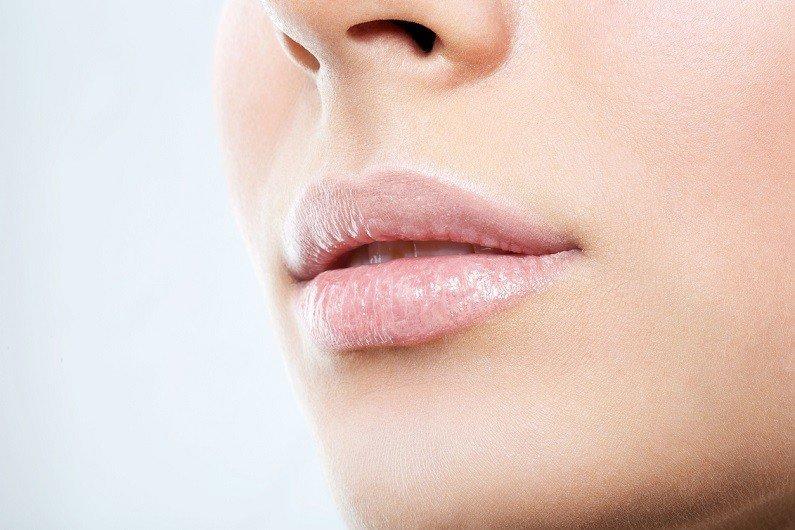 Mehr Fülle und Kontur für die Lippen