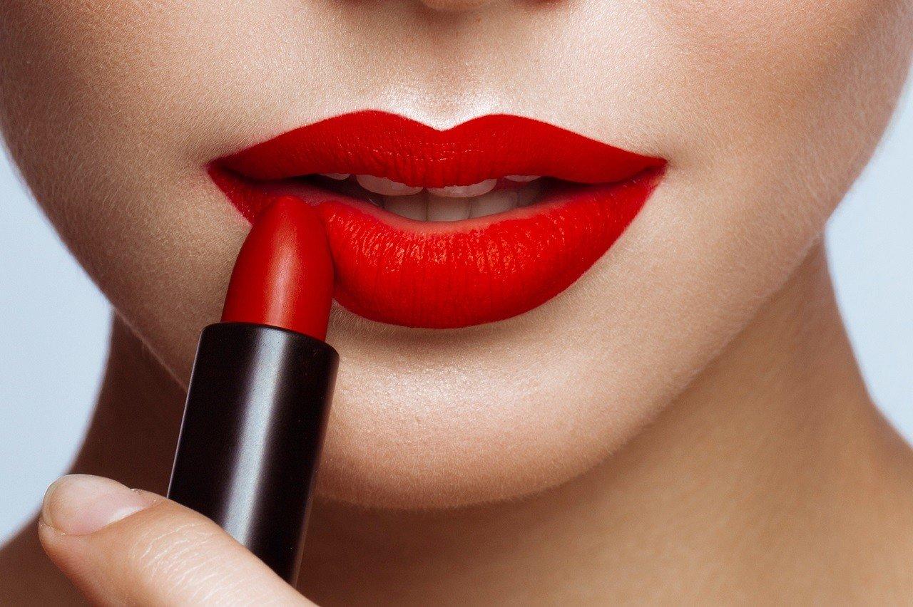 Botox® oder Filler zur Lippenkonturierung
