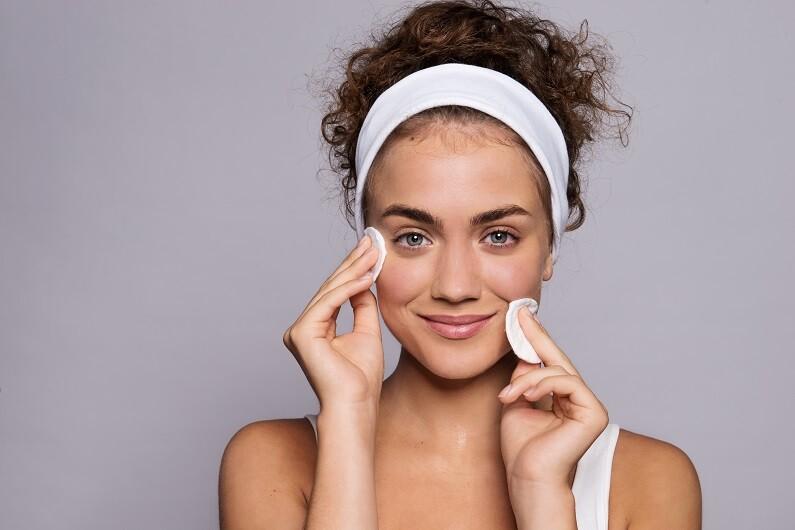 Was gehört zur Gesichtspflege?